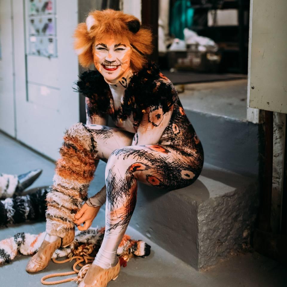 Eloise Kropp as Jennyanydots