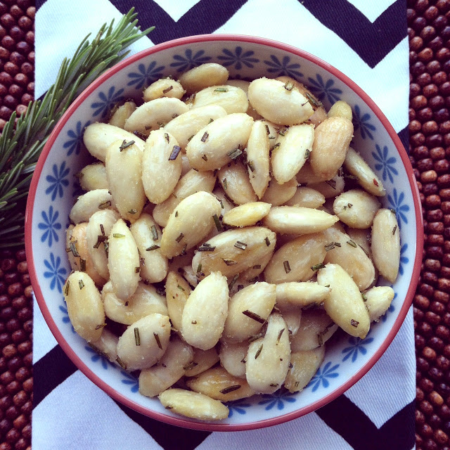 Rosemary+Fried+Almonds3-ed.JPG