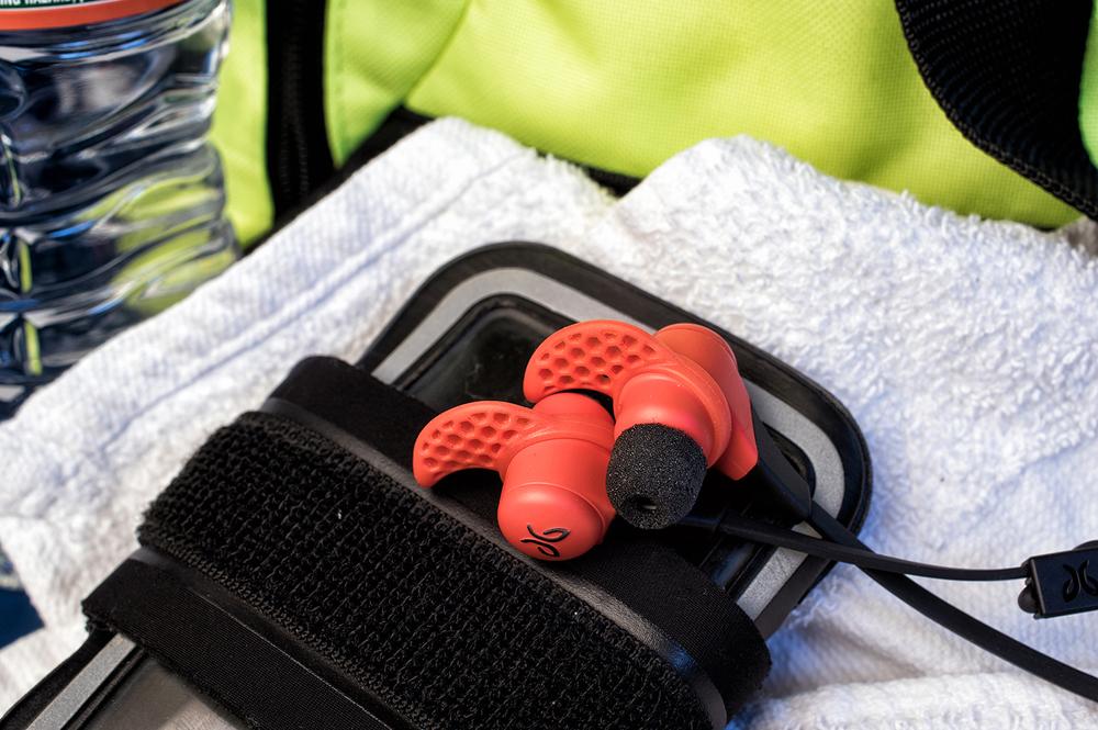 Jaybird-X2-Wireless-Sports-Earbuds-7.jpg