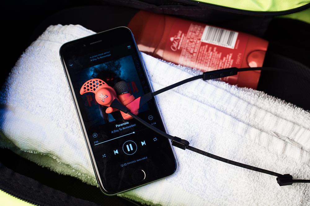 Jaybird-X2-Wireless-Sports-Earbuds-8.jpg