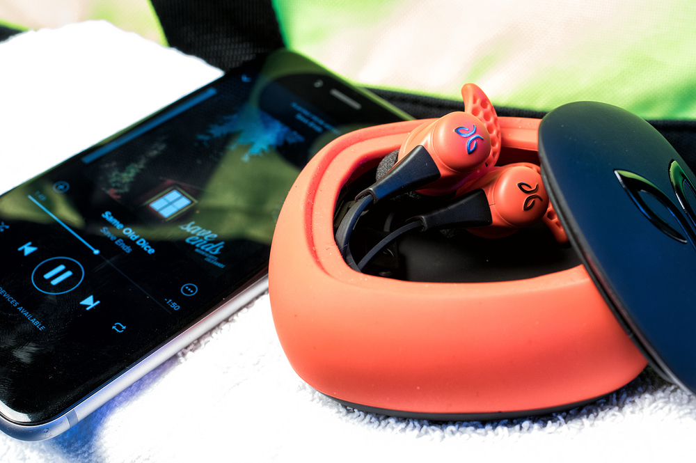 Jaybird-X2-Wireless-Sports-Earbuds-10.jpg