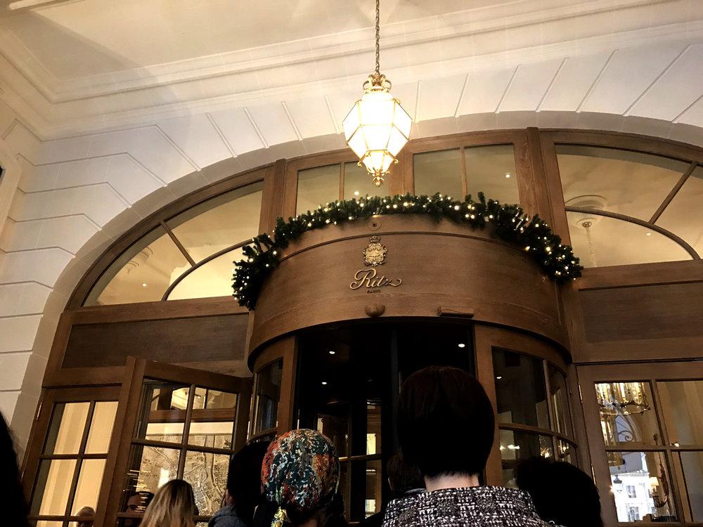 リッツパリの玄関。