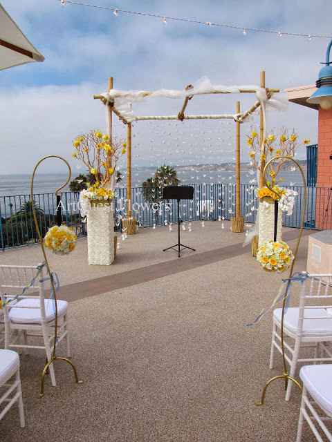 Yellow and White Wedding | Wedding in La Jolla Cove Suites ...
