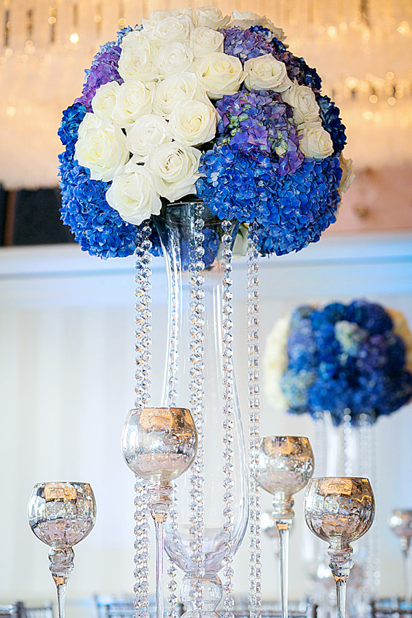 4_White and Blue Centerpiece_ArtQuest Flowers.jpg