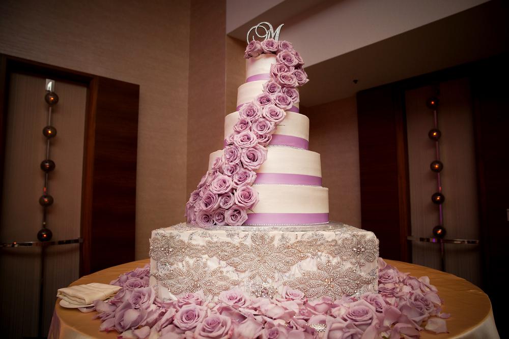 24_Jewel Cake Riser.jpg