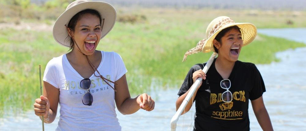 Alma & Gizelle studying the wetlands of Bahia de los Angeles, Baja California, MX
