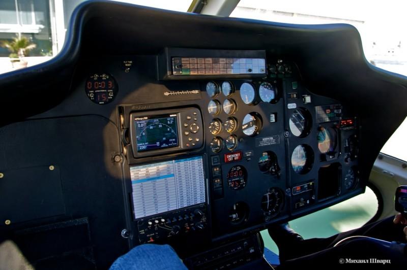 Приборная панель вертолета