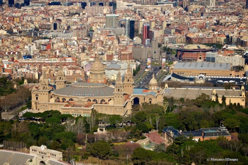 Национальный музей искусства Каталонии и площадь Испании