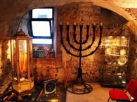 Длительность: 3 часа Стоимость: €58 Прогулка по еврейским кварталам Барселоны, посещение музей еврейской истории города и дегустация блюд в кошерном ресторане.