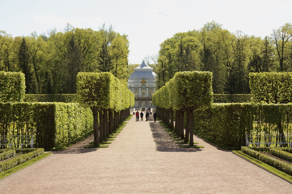 The incredible gardens behind Catherine's Palace.