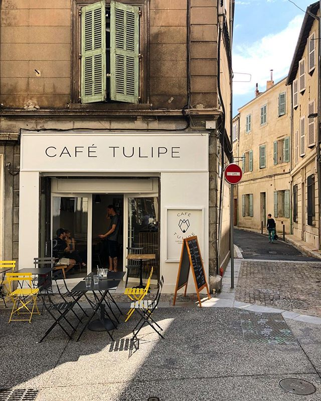 I keep dragging my mom and sister into pharmacies, shops, and cute restaurants and luckily this one was a winner. The perfect everyday coffee & pastries kind of spot.