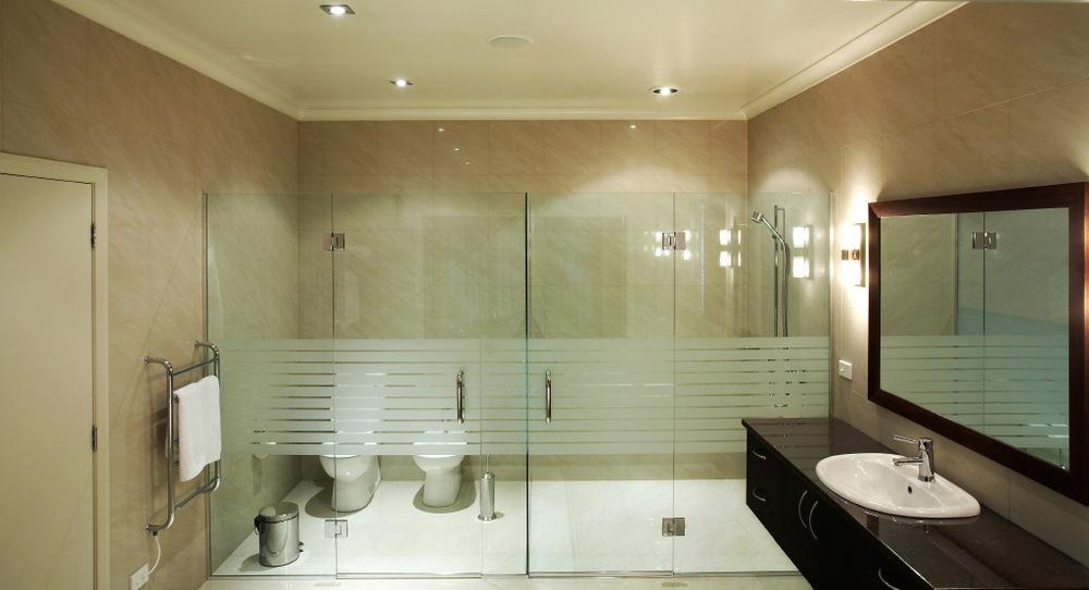 shower-wide1.JPG
