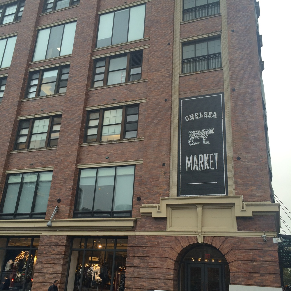 Seriously, I want to live here (if you transported it to somewhere sunny). The Chelsea Market is full of food, baked goods, markets, boutiques and right under the youtube offices you are sure to make an appearance online.