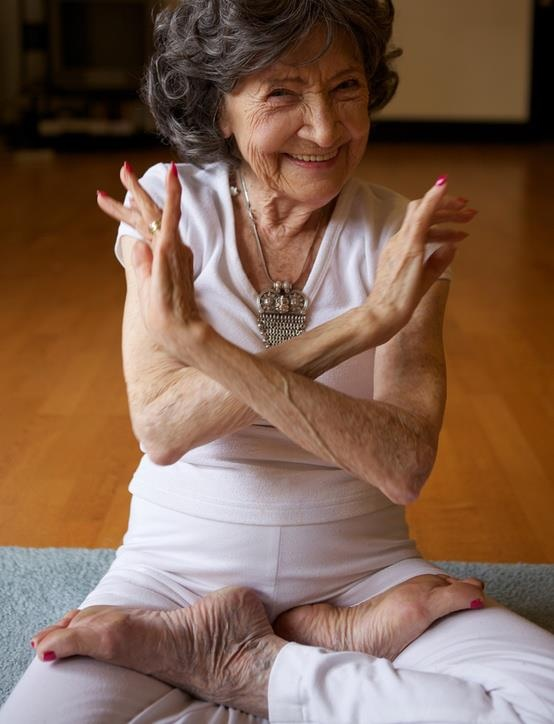 Yoga teacher Tao Porchon-Lynch in lotus pose at age 93. (Photo source: Vladimir Yakovlev)