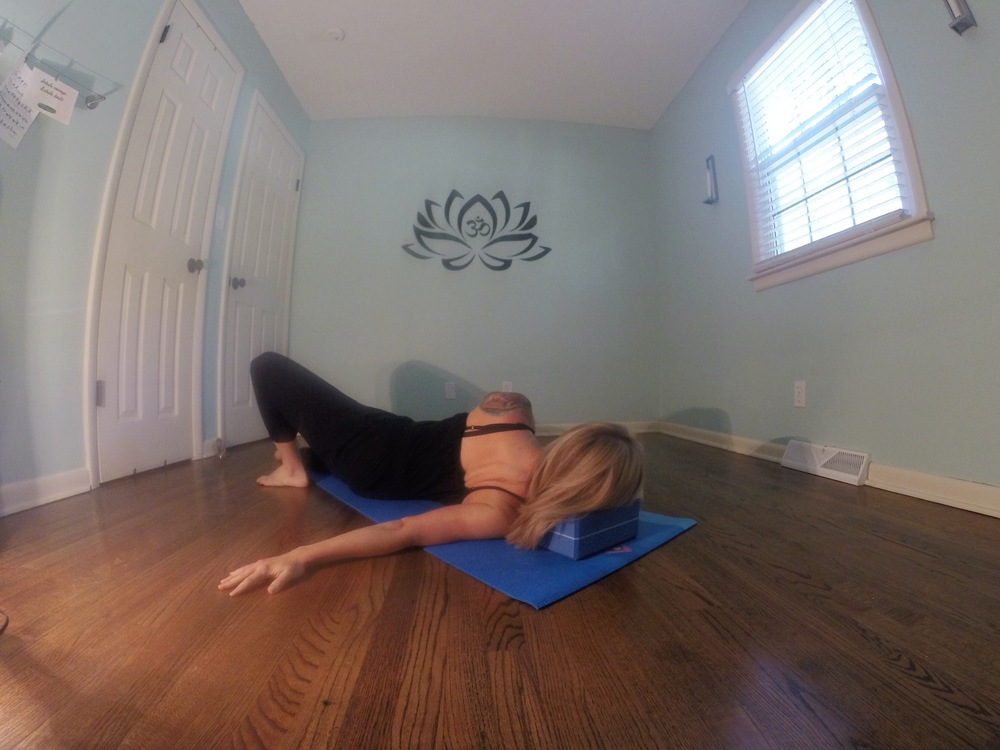 throat chakra 8 point pose