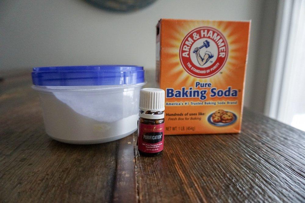 DIY Diaper Pail deodorizer with essential oils - Yoga Mama Bear blog