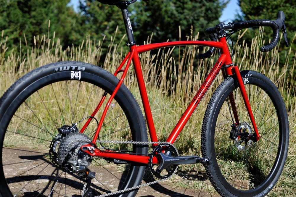 gravel adventure bike