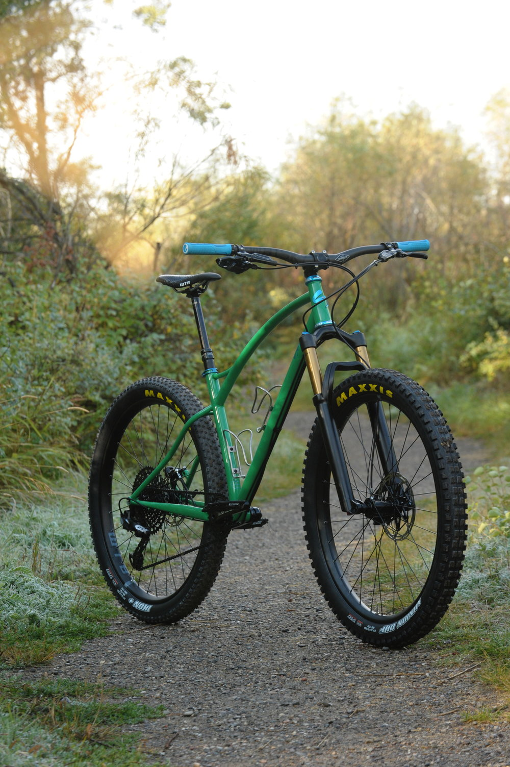 custom steel 275 plus mountain bike