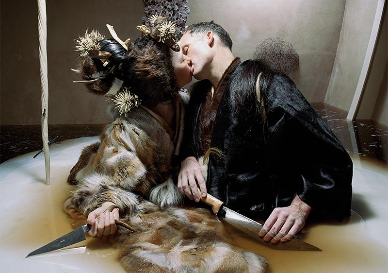 Björk y Matthew Barney en Drawing Restraint 9.