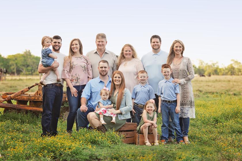 extendedfamilygenerationalportraitsmeganblasdel.jpg