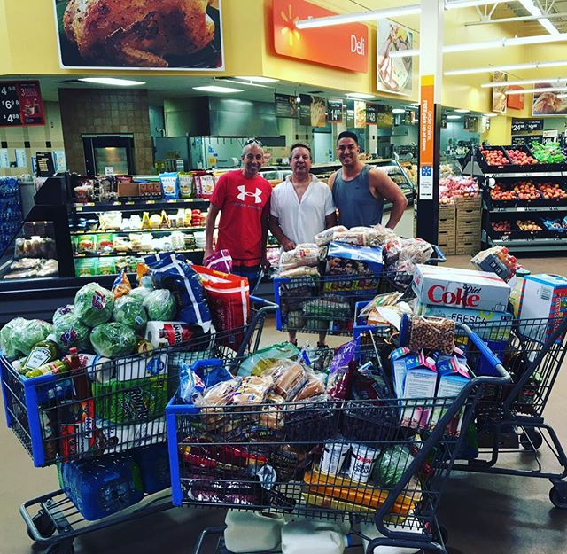 Houseboat food shopping complete. Time for Lake Powell❗️❗️❗️ ⛴⚓️🏞 #LeaderTeamTrip #LakePowell