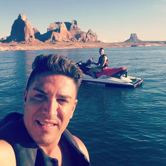 Just took a few minutes out of our day to ride the jet skis out to #PadreBay #LakePowell to get some internet connection for a few very important emails. Our office is anywhere❗️☑️🔛🔝🙌🏼💎⛴⚓️💯