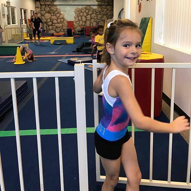 Time for #Gymnastics ❗️❗️❗️👧🏼🏅#LondynBecerra