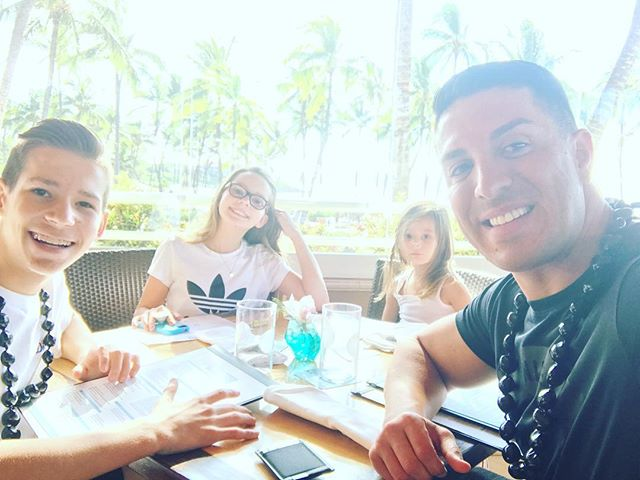 Lunch time at #Wailea. MAUI wowie 🌴🙌🏼🐠🐟🐟🐬🐳🏄🏻