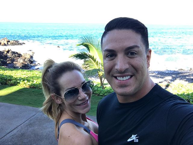 Morning run on the Maui coastline 🙌🏼🌴☀️🌺
