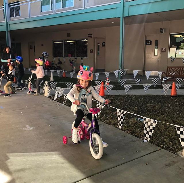 I just finished watching the pre-schoolers do their Trike-A-Thon at CrossRoads. Londyn was so happy that I could be there. 👧🏼🚲 #LondynBecerra
