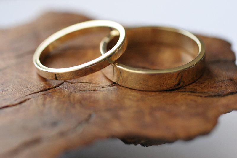 14k Yellow Gold Flat Band Wedding Ring Set 2 Rings Sr66