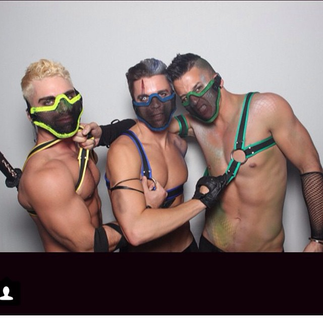 #sexiest #mortalcombat look ever! Woof. Sign me up! Custom #flag #neoprene #harness by #frostbitefetish