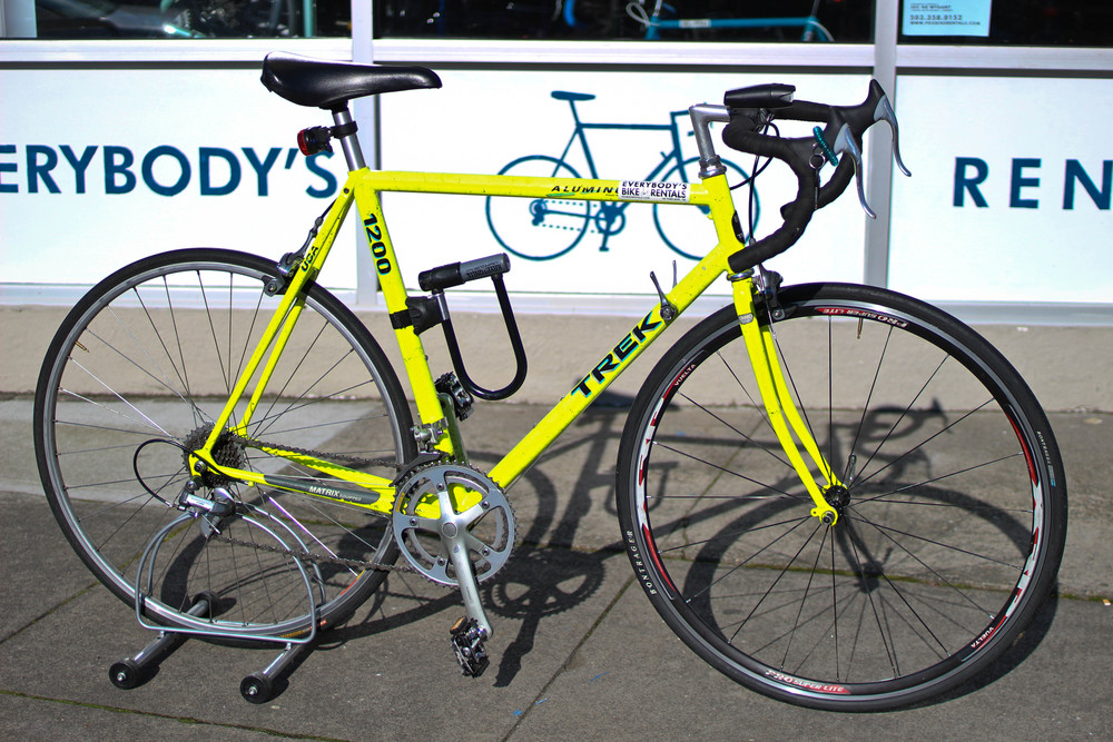 Road Bike $30/Day  $75/3 Days  $110/Week