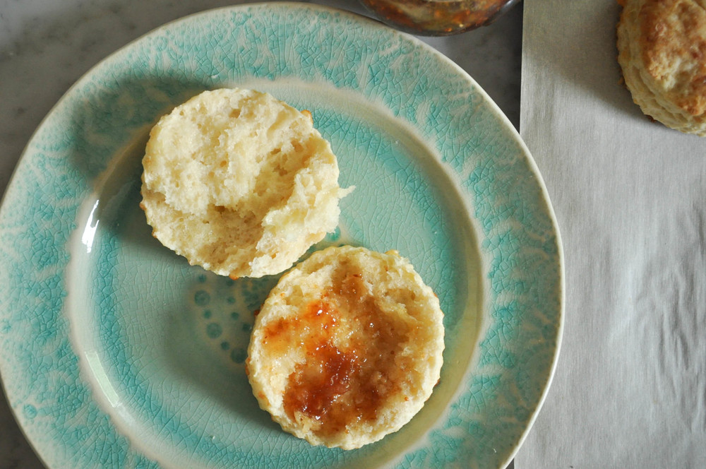 buttermilk_cheddar_biscuits10.jpg