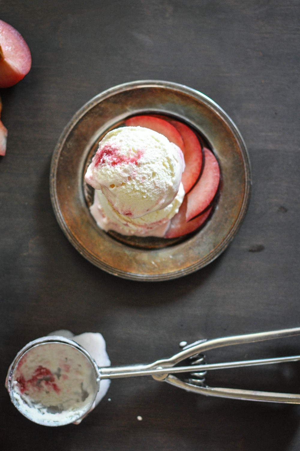 buttermilk_plum_ice_cream7.jpg