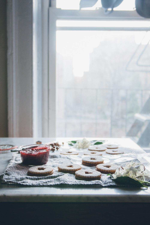 Linzer Cookies | O&O Eats