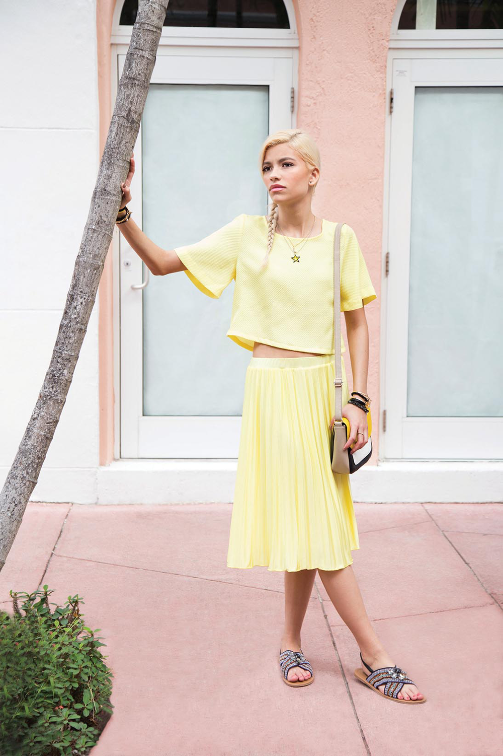 10281137c05_R0_yellow_skirt_1852_LR.png
