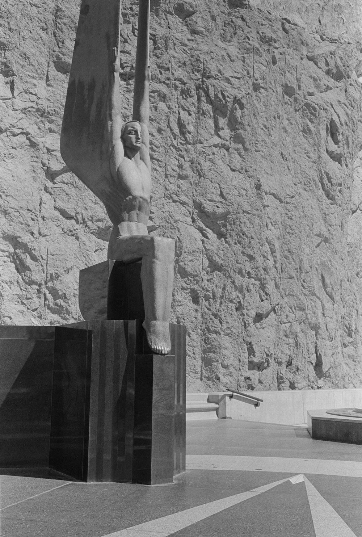 Hoover Dam Statue.jpg