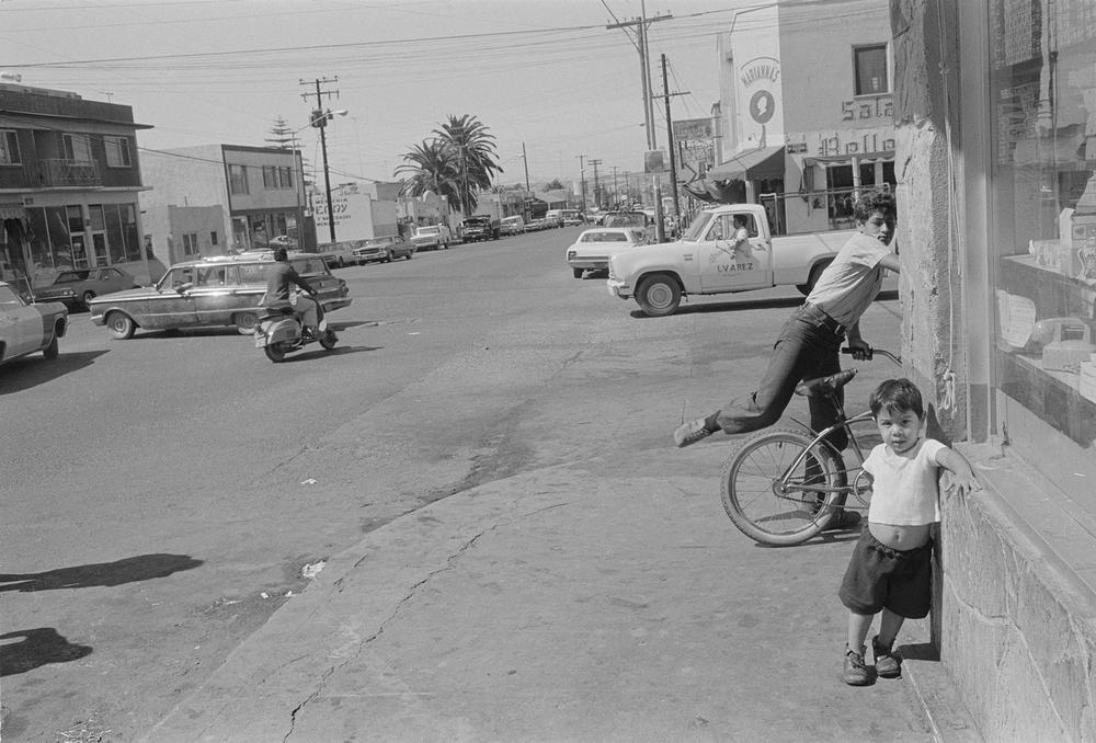 Tijuana Corner 1976.jpg