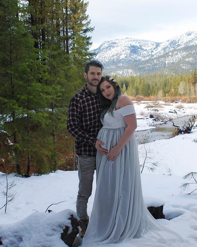 ❄️The Snow came just in time for Greyson's arrival, that could be any day now. We can't wait to meet you Lil Wolf. ❄️