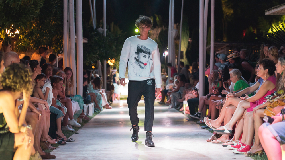 dressed_in_ibiza_fashion_shopping_urban_in_ibiza_runway_10.jpg