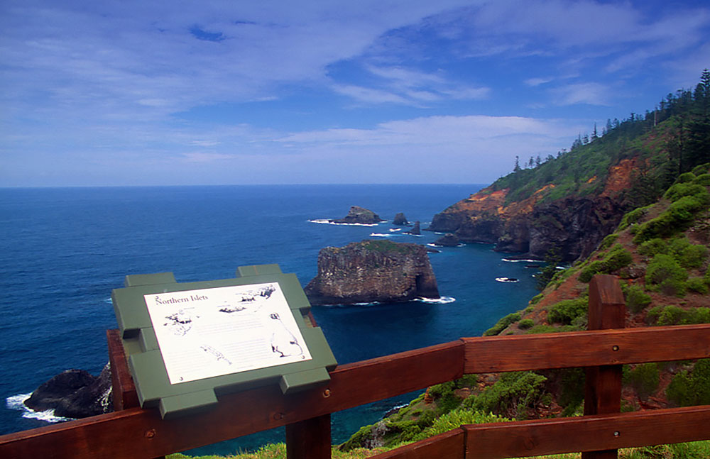 Norfolk_Island_Captain_Cook_lookout2.jpg