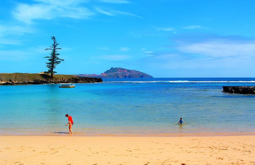 Norfolk_Island_Emily_Bay.jpg