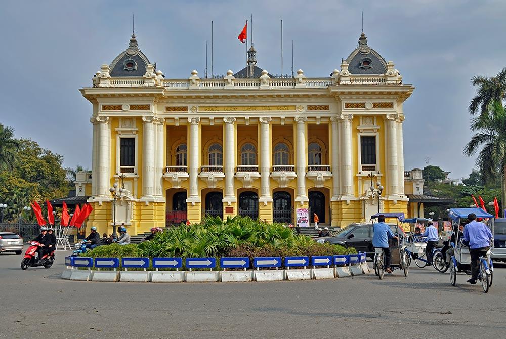 Hanoi_Opera_House_1.jpg