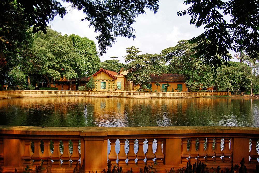 Presidential_House_Hanoi.jpg