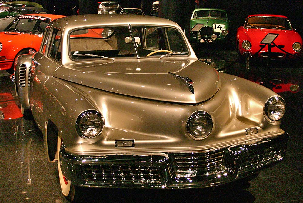 1948_Tucker_Sedan_at_the_Blackhawk_Museum.jpg