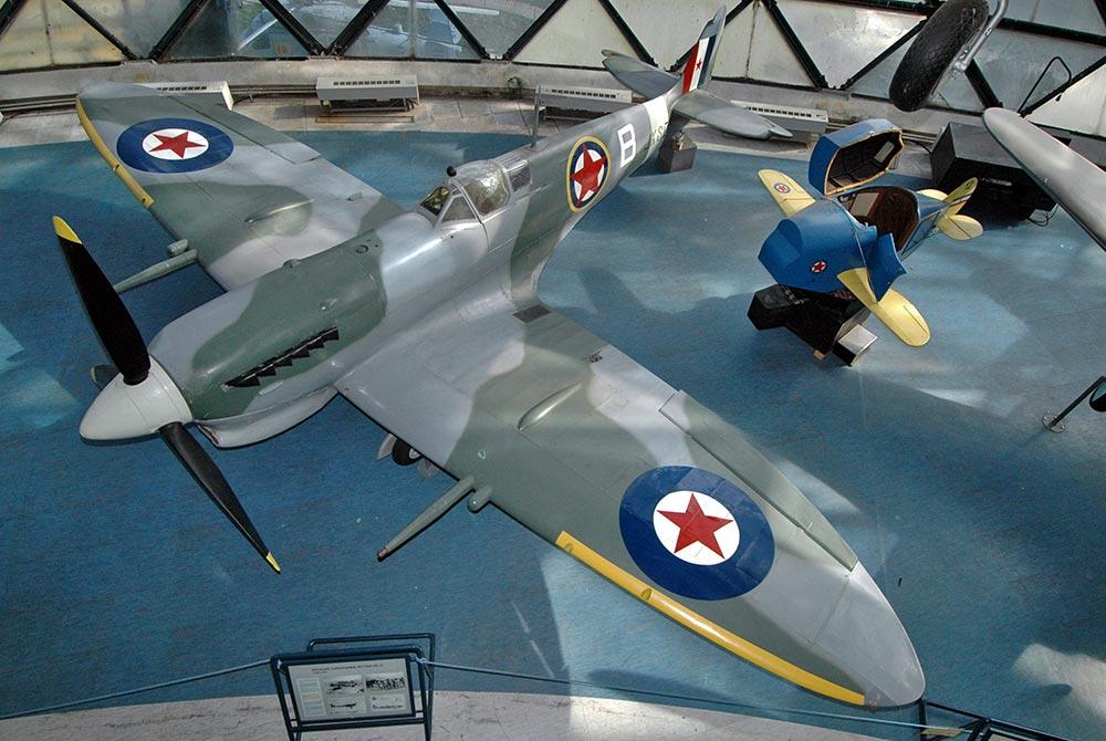 BAM-08-Spitfire_Vc_Trop.jpg
