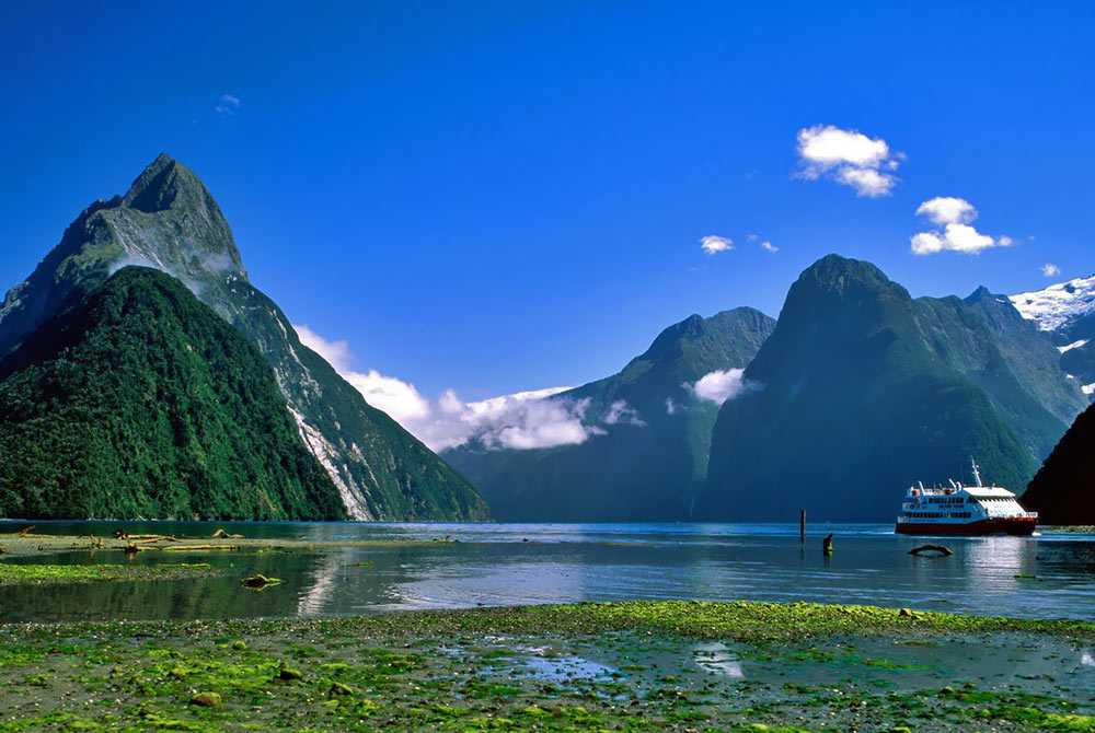 Mitre-Peak-Milford-Sound-New-Zealand.jpg