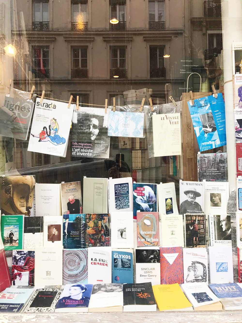 Paris_bookshop.png