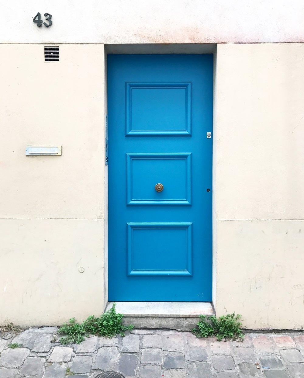Montmartre_door.jpg